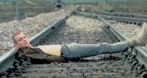 Ewan-McGregor-in-Trainspotting
