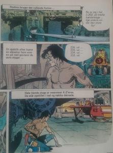 Bemærk robotten, der tæller etager. Den er et påskeæg fra tegneserien Dani Futuro (1973-1975) - tre album på dansk i 1983 ud af tilsyneladende fire. Det er en spansk serie, som tilsyneladende heller ikke er blevet oversat til engelsk.