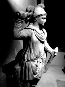 Statue IV