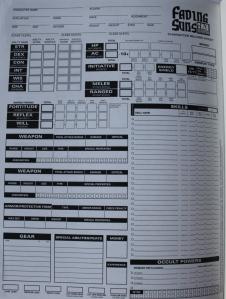 Har man set et d20 charactersheet, har man set dem alle. Sammenlign FSd20 arket med VPS-arket.